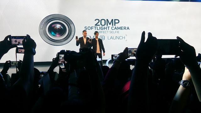 Al Ghazali mempertontonkan V5s di Acara Vivo V5s Launch
