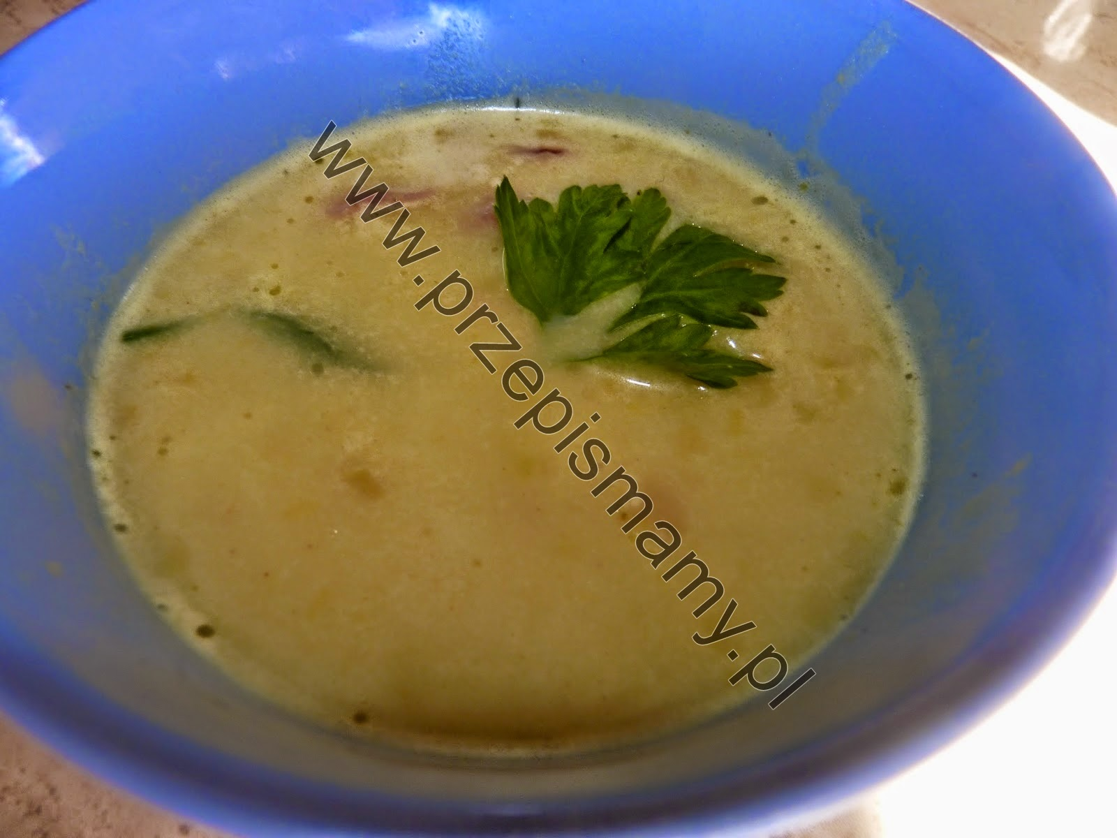 Zupa z jabłek i curry