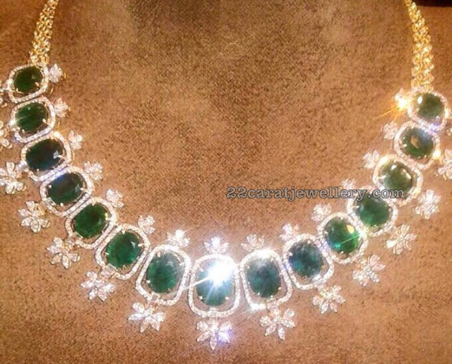 Pretty Emerald Necklace by Parnicaa