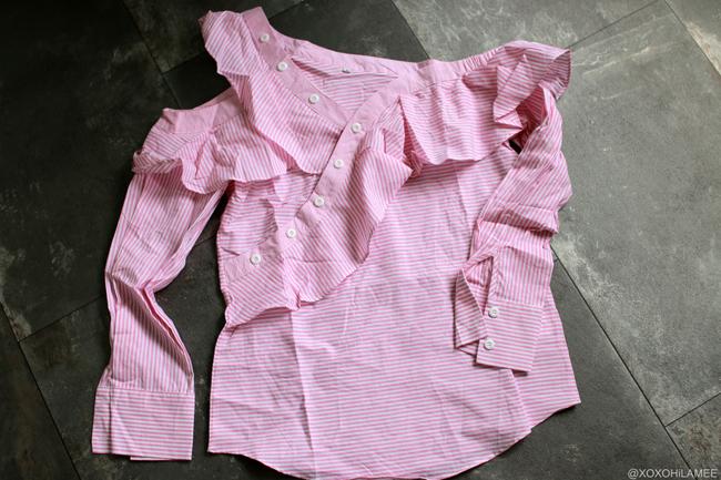 日本人ファッションブロガー,MizuhoK,newin-ピンク ストライプ オフショルダー アシンメトリー フリル ブラウス,ハイネック フリル 刺繍 ランタンスリーブ ブラウス from SheIn
