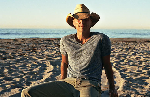 Kenny Chesney height, partner, home, family, dating, how tall is, where does live, tour, songs, tickets, concert, new album, tour dates 2017, greatest hits, pittsburgh, boston, new song, when the sun goes down, lyrics, tour 2016, concert schedule, cheap tickets, music, tour schedule, website, latest album, live, seattle, new, and miranda lambert, live album, concert 2017, country music, tour 2015,   band, play, today, events, singles, the life, videos, age, wiki, biography