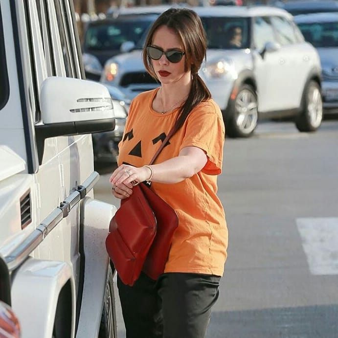 Jennifer Love Hewitt Looks So Hot in Orange Top