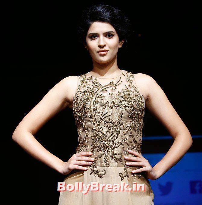 Deeksha Seth, Lakme Fashion Week 2014 Finale Pics
