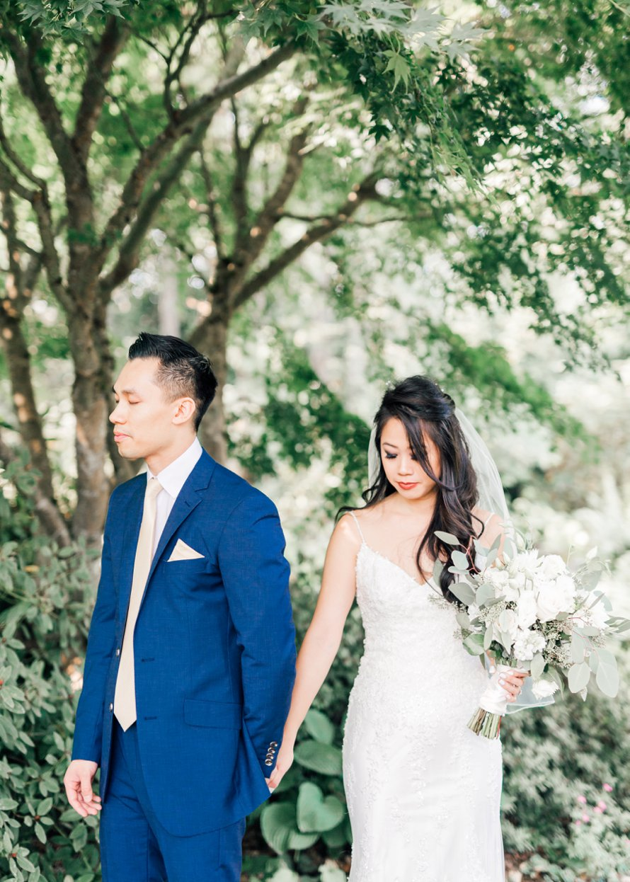 Botanical Garden Wedding by Seattle Wedding Photographers Something Minted Photography