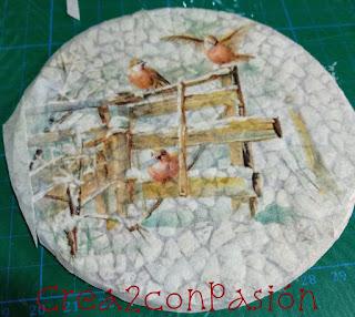 papel-de-arroz-pegado-sobre-cáscara-de-huevo-y-cds