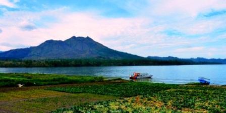 Danau Batur  danau batur terletak di danau batur bali danau batur kintamani danau batur terdapat di provinsi danau batur terdapat di pulau danau batur terletak di pulau danau batur di provinsi