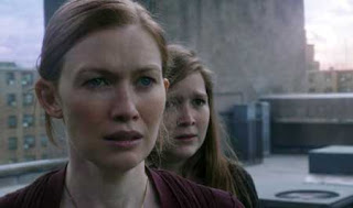 Mireille Enos and Abigail Hargrove in World War Z