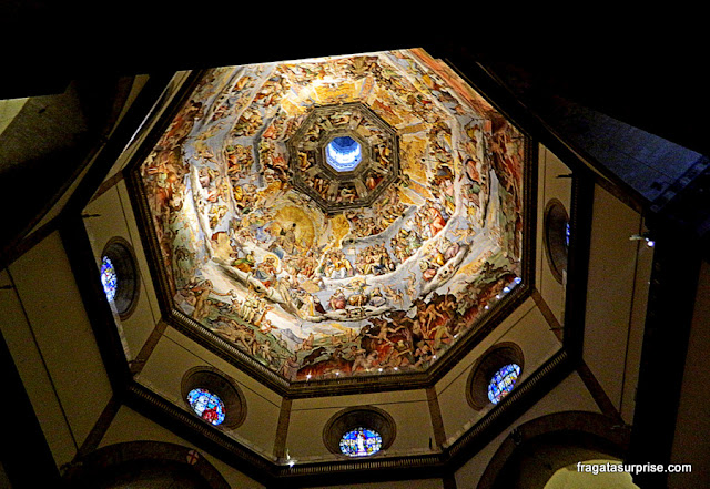 Afrescos no interior da cúpula da Catedral de Florença, Itália