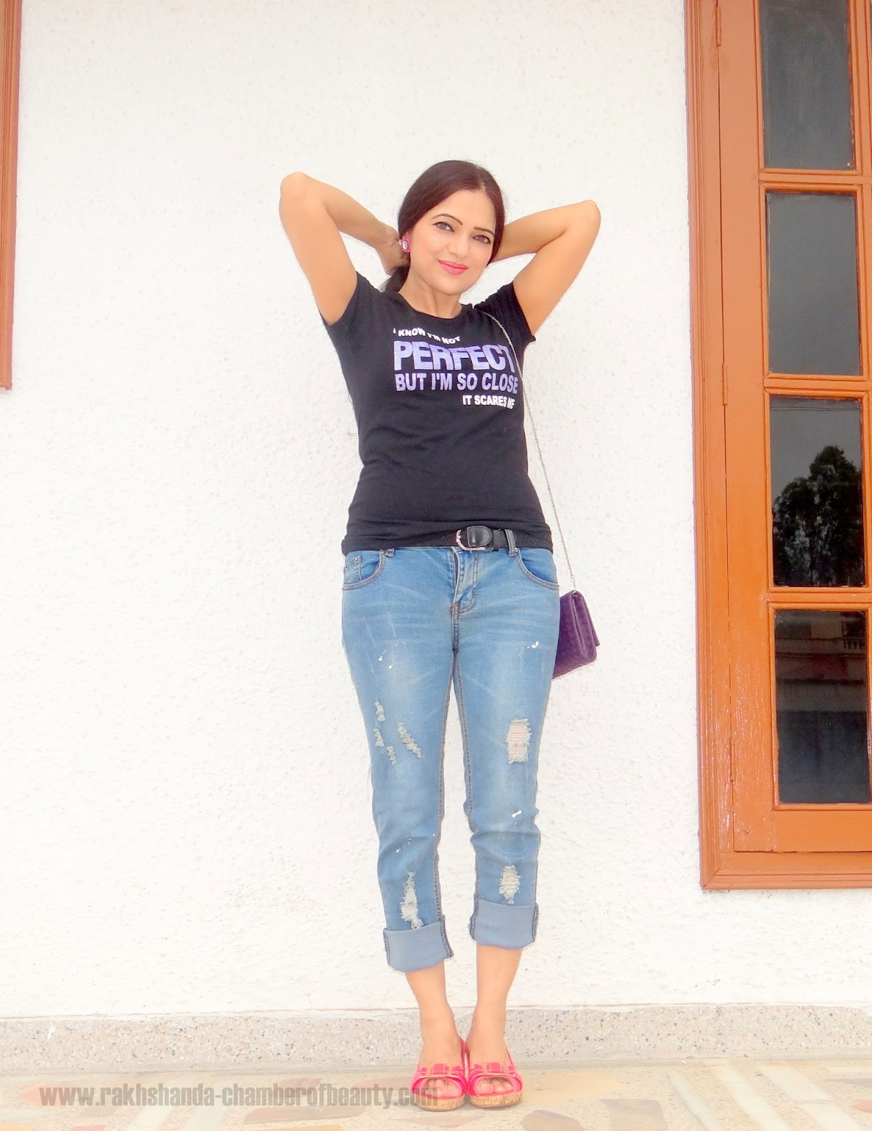 How to style a basic black t-shirt, Casual summer outfit, fashion blogger