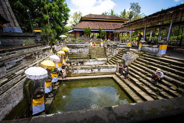Grotta dell'elefante di Goa Gajah-Bali