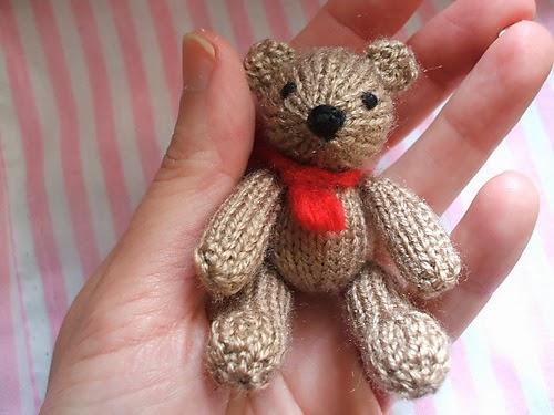 Pretty Knitty Jewelry: Twenty Tiny Teddy Bears...or not