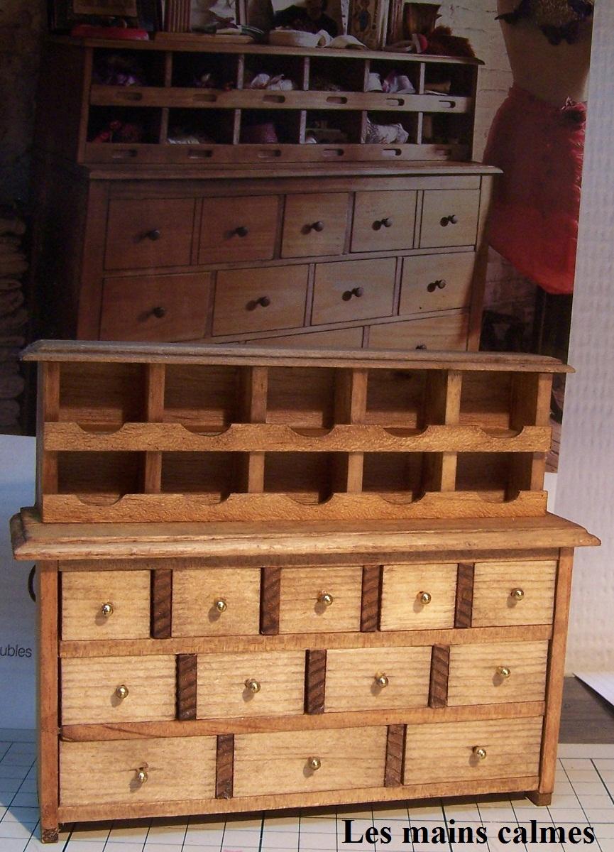 les mains calmes meuble de m tier miniature. Black Bedroom Furniture Sets. Home Design Ideas