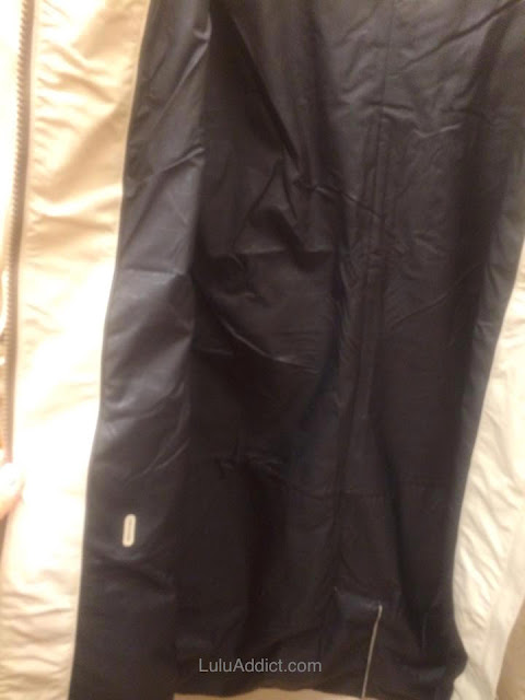 lululemon-definitely-raining-jacket cashew liner
