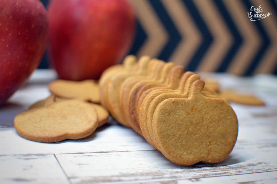 Rezept: Apfel-Sesammus Kekse für Hunde