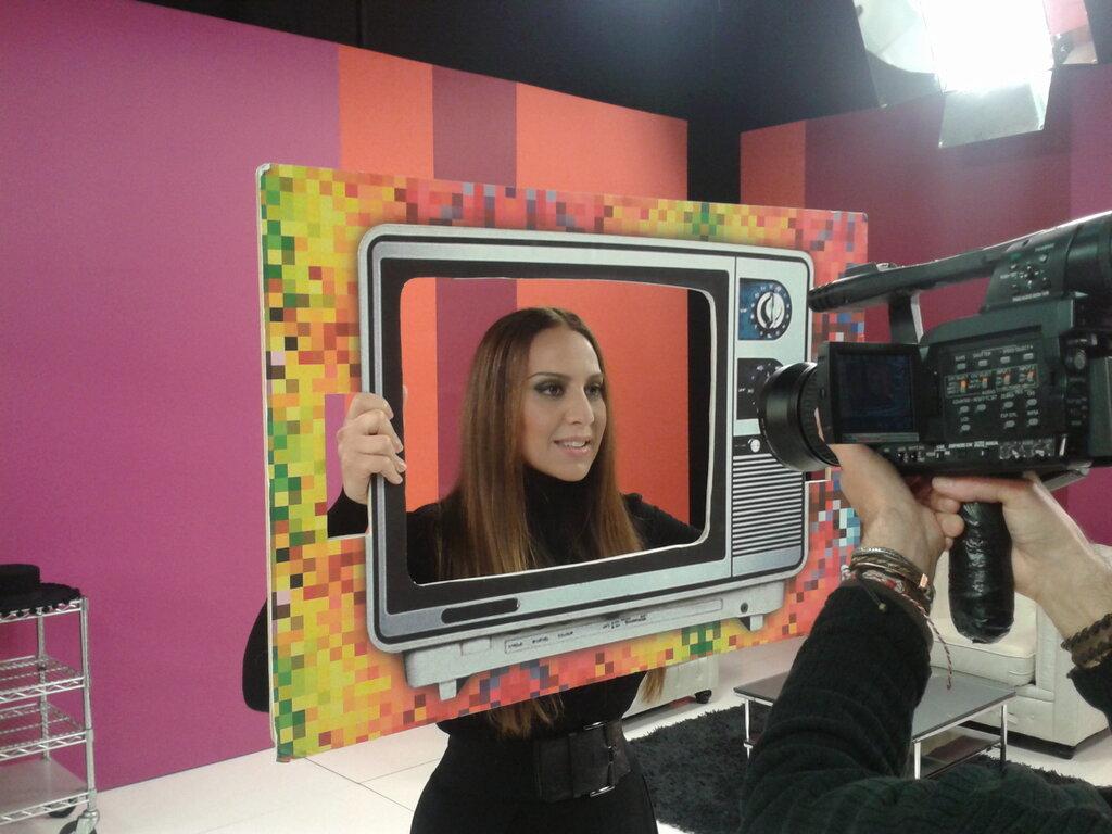 m nica naranjo entrevistada en el programa apm de tv3 sigue las novedades de la cantante en www. Black Bedroom Furniture Sets. Home Design Ideas