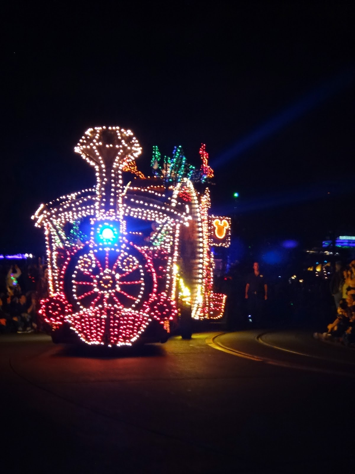 main eletrical parade - magic kingdom - orlando, eua