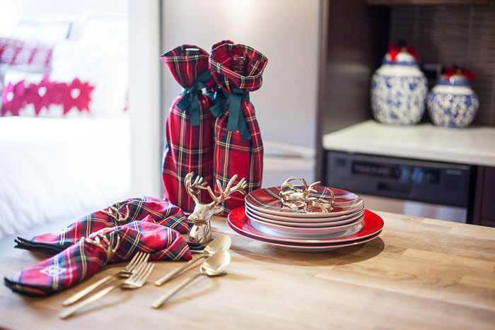 Tips For Decorating Small Spaces During The Holidays New