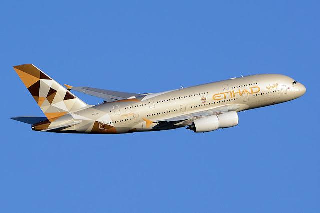 Gambar Pesawat Airbus A380 09