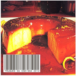 Pudim de laranja com calda de caramelo
