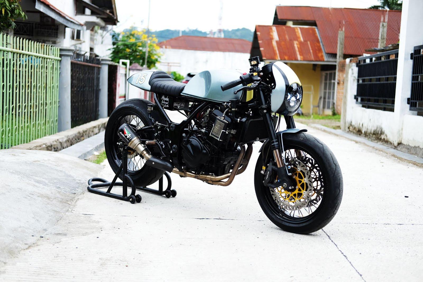 Kawasaki Ninja 250cc Cafe Racer 1
