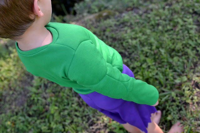 How to Sew Muscles in a costume - shoulder detail