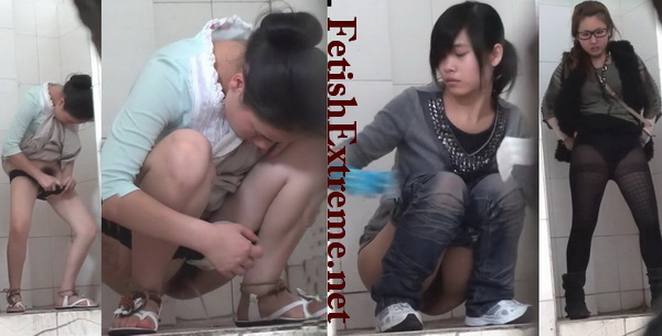 ShareVoyeur 706-784 (Students at the University of pissing in the toilet)
