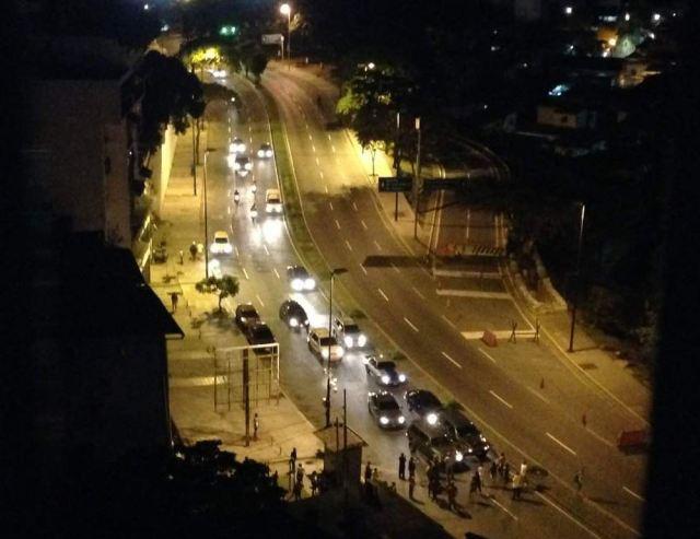 GNB reprime a los manifestantes frente al Palacio de Miraflores (Videos) #16Ago