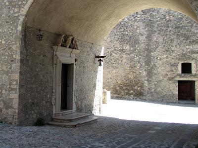 natura grezza: Il Castello di Melfi