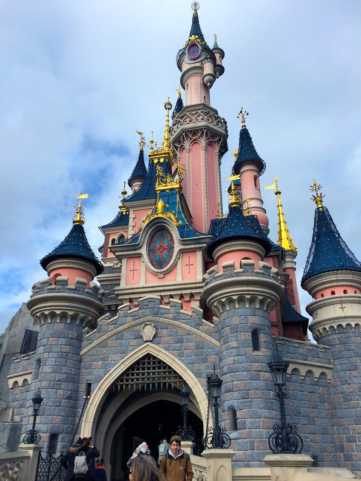euro disneyland and trompenaars research Using hofstede's four cultural dimensions as a point of reference using hofstede's four cultural dimensions as a point in managing its euro disneyland.