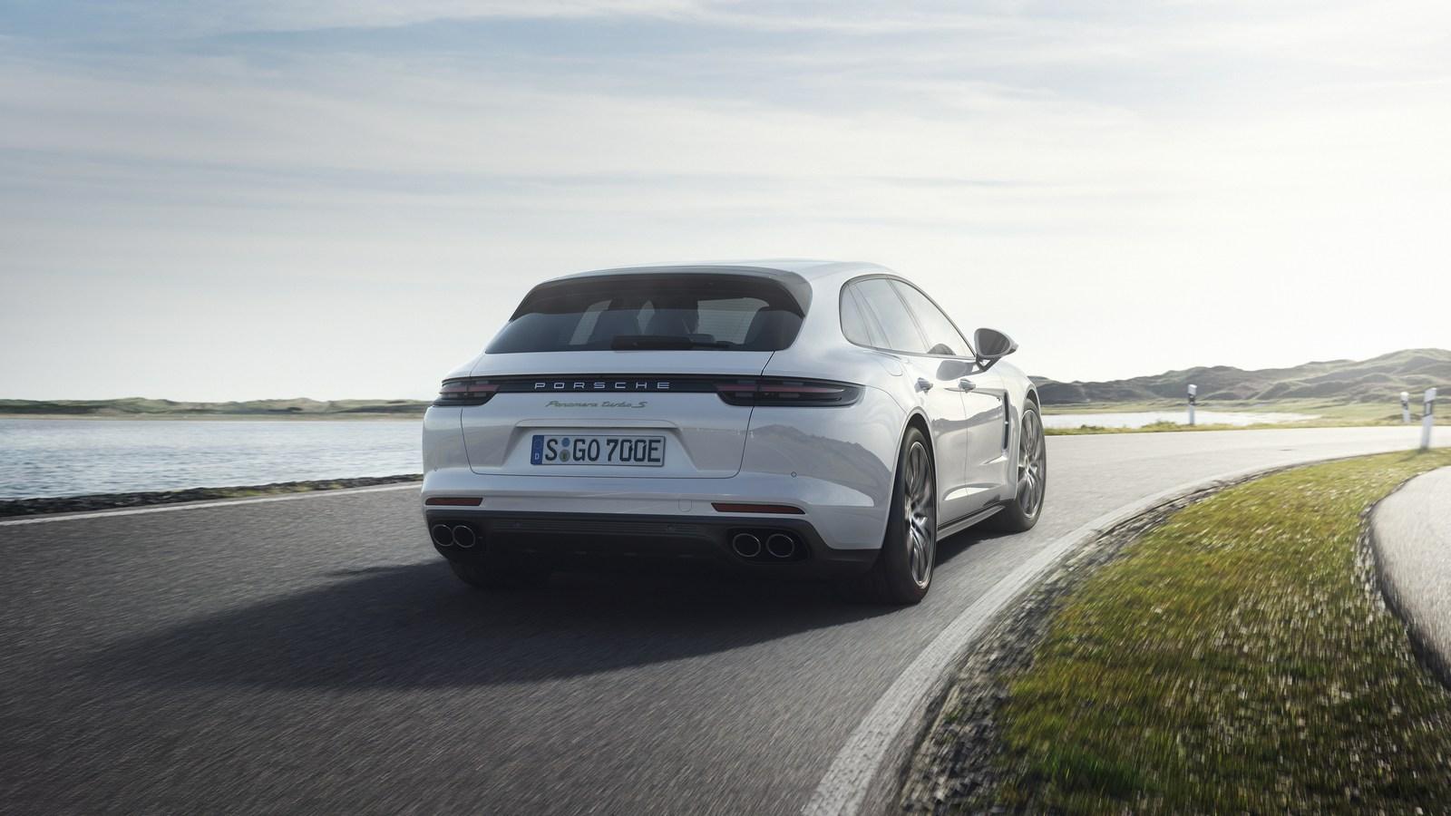 Porsche-Panamera-Turbo-S-E-Hybrid-Sport-Turismo-3