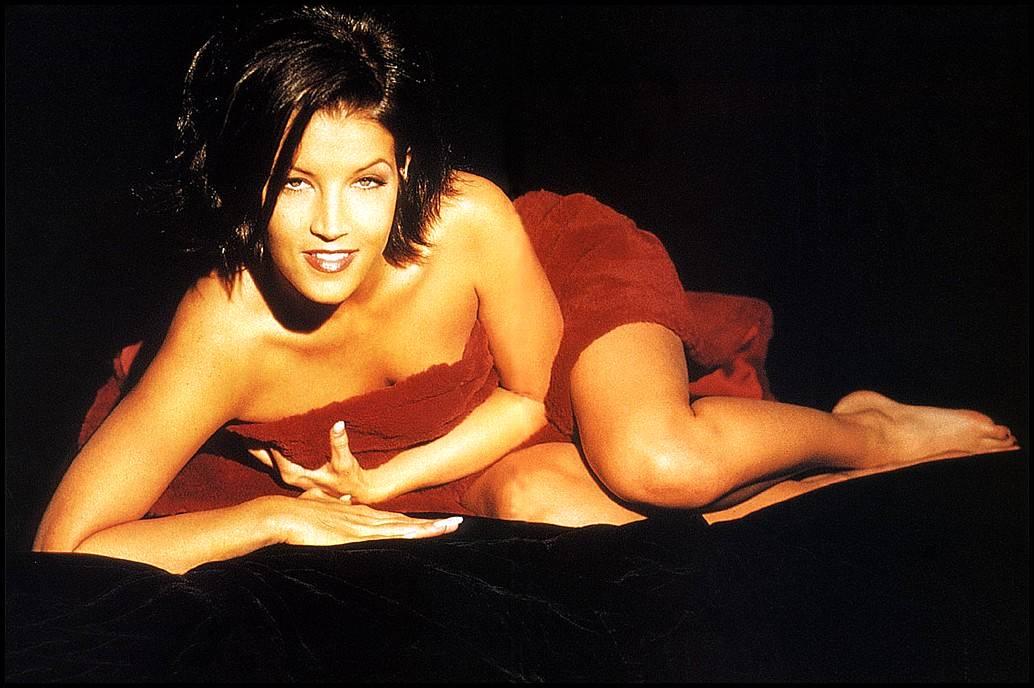 Lisa Marie Presley Sexy 6