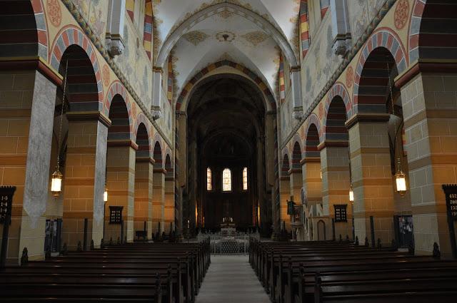 Romański kościół w Königslutter am Elm  - nawa główna