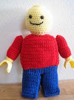 PATRON MUÑECO LEGO AMIGURUMI 2876
