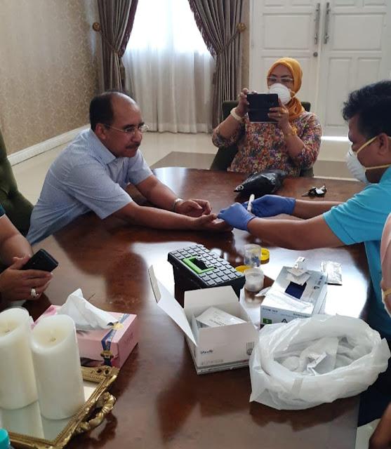 Ikuti Rapid Test Dinkes Kota Kupang, Jefirstson Riwu Kore Negatif COVID -19
