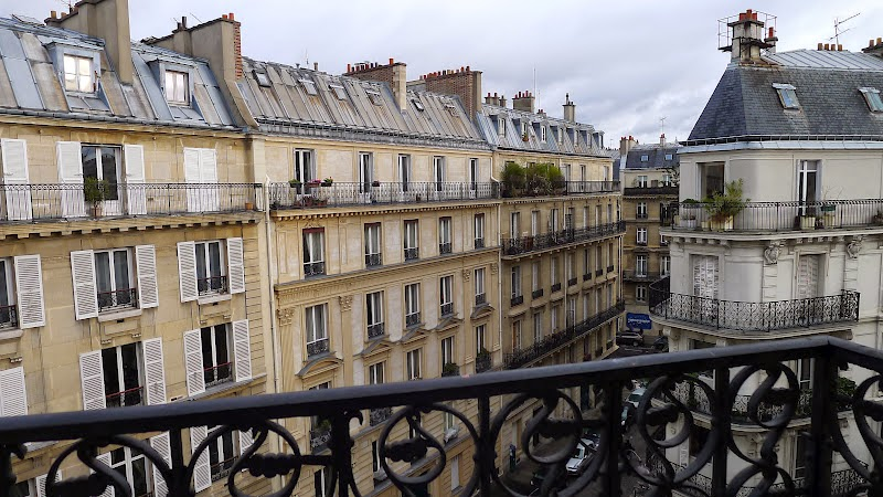 house in Paris - a one act play.