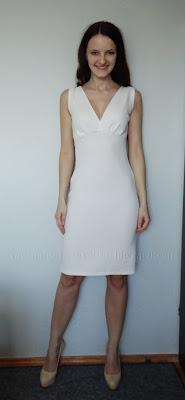 Kremowa koktajlowa sukienka z krepy wełnianej (crepe doppio)