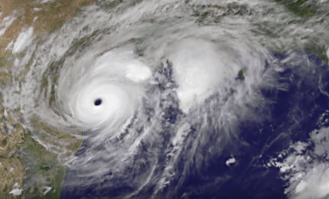 Top 10 Scariest Hurricanes That Will Make You Never Leave Your House Again