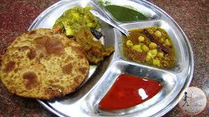 stufffed prantha thali