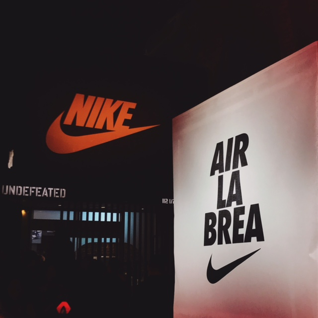 29db1821ff0a Happy Airmax Day, La. 12:17 PM. Nike x Travis Scott shut down La Brea ...