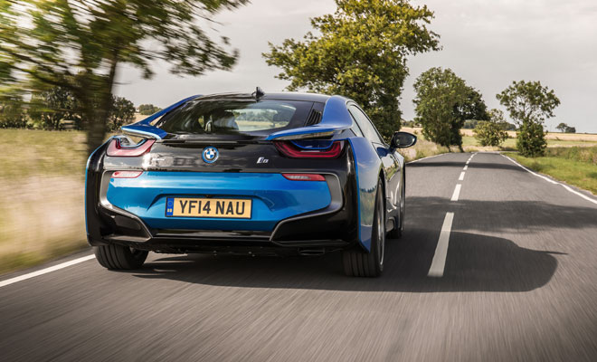 BMW i8 rear view on the move