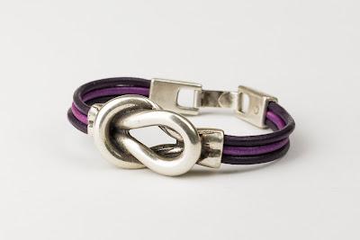 pulseras de cuero y zamak, complementos, accesorios, moda femenina, joyería en Valencia, pulseras de cuero y zamak en Valencia,
