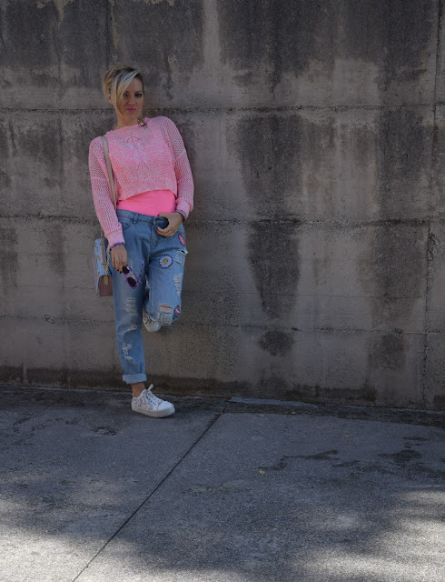 jeans strappati con toppe ricamate outfit jeans strappati come abbinare i jeans strappati outfit ottobre 2016 outfit autunnali mariafelicia magno fashion blogger colorblock by felym web influencer italiani blogger italiane di moda fashion blogger italiane