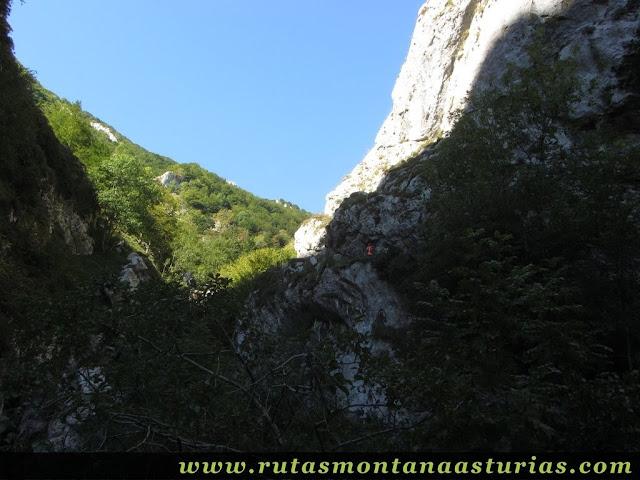 Ruta circular Taranes Tiatordos: Atravesando la Foz de la Escalada