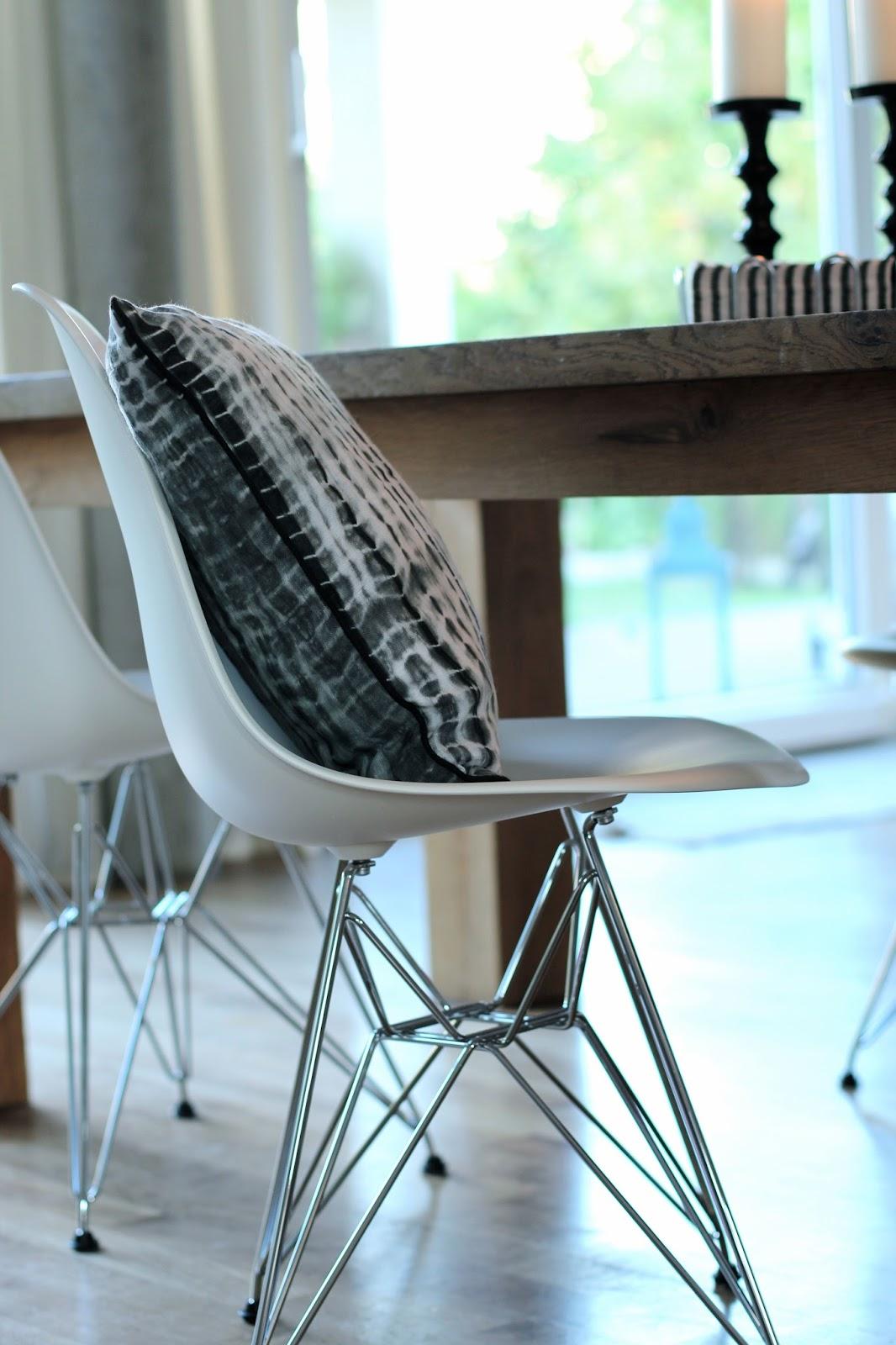 conceptbysarah black white. Black Bedroom Furniture Sets. Home Design Ideas