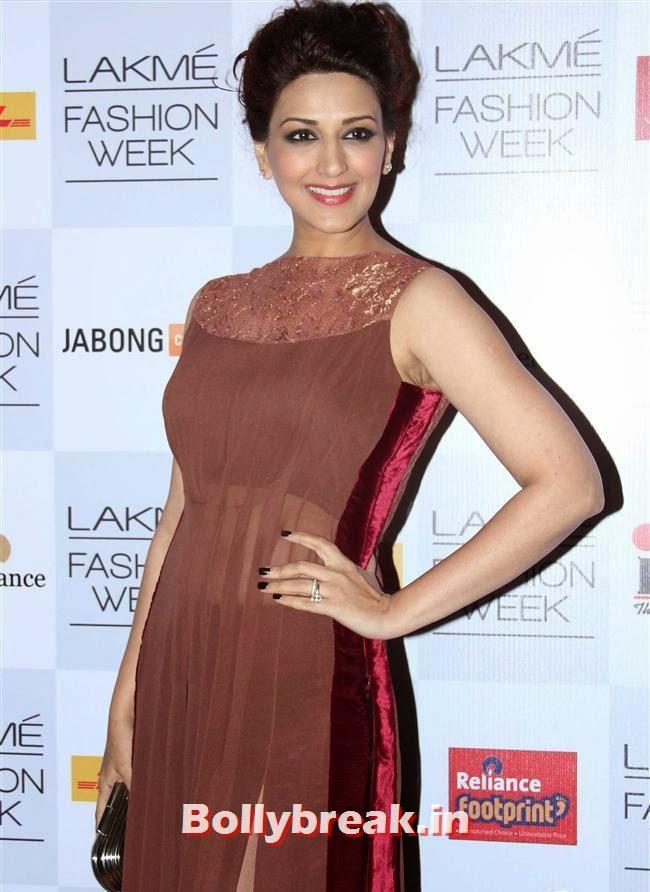 Sonali Bendre, Bollywood Actresses at Manish Malhotra Show at LFW Summer Resort 2014