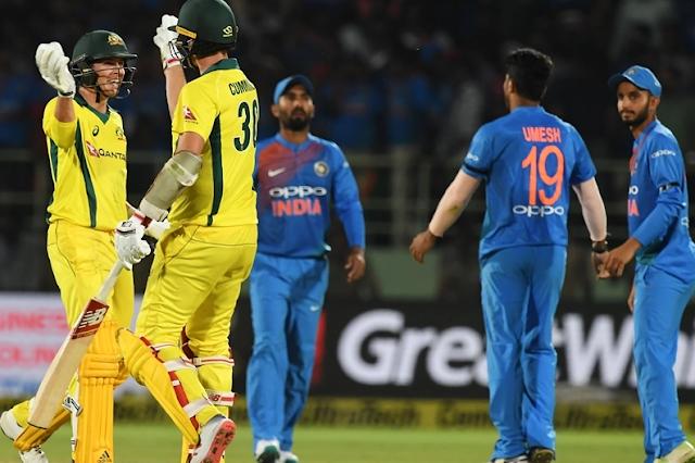रोहित और धवन के आतिशी पारी पर फिरा पानी, भारत को मिली हार....