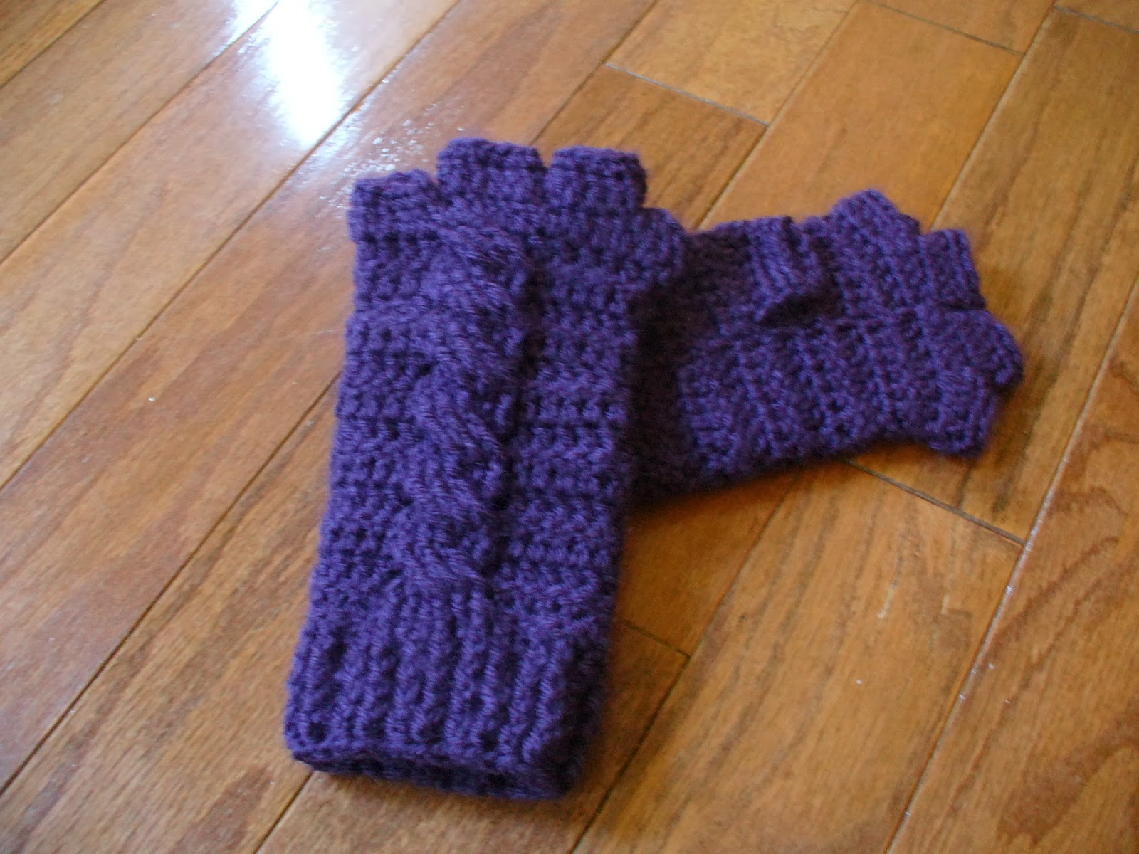 Sanity by Stitches: First pair of fingerless gloves