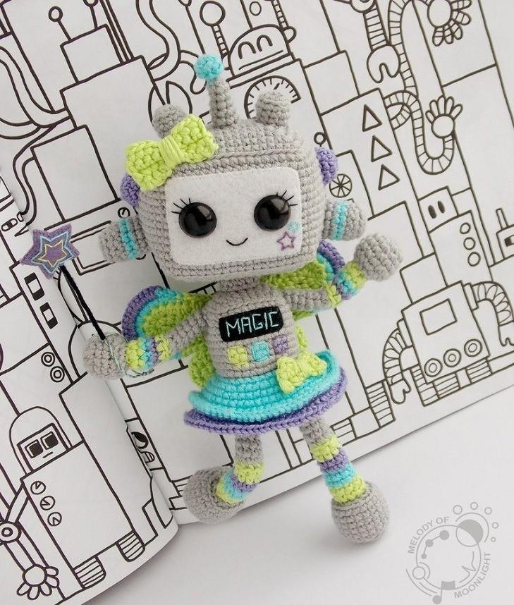 Вязаная кукла робот амигуруми
