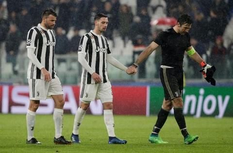 Đội tuyển Juventus rơi vào tình thế vô cùng khó khăn sau khi để đối thủ Real Madrid đánh bại 3-0 ngay trên chính sân nhà.