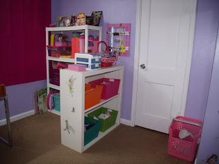 girls room organization